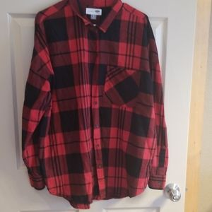 Old Navy boyfriend red and black plaid shirt